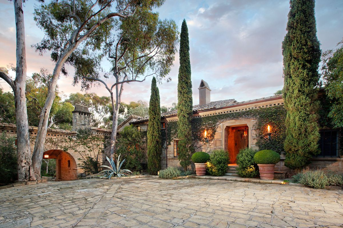 Homes Built By Ellen DeGeneres on Hand Luggage Only (7)