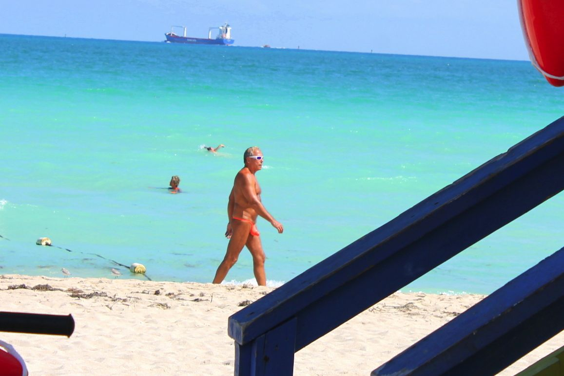People watching in Miami. Muscle, Beach and Cars. (1)