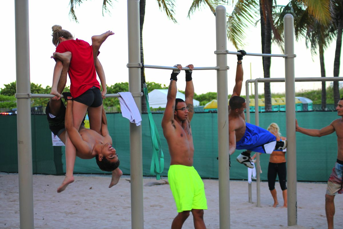 People watching in Miami. Muscle, Beach and Cars. (9)