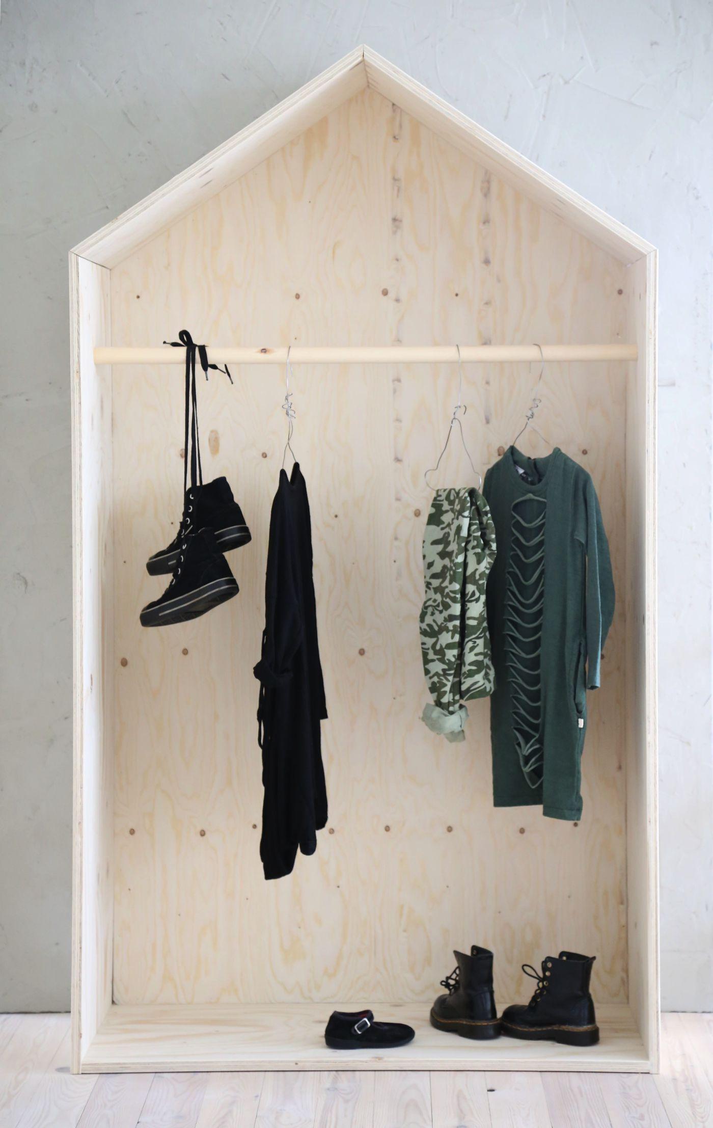 4 fantastically creative wooden shelves and racks (4)