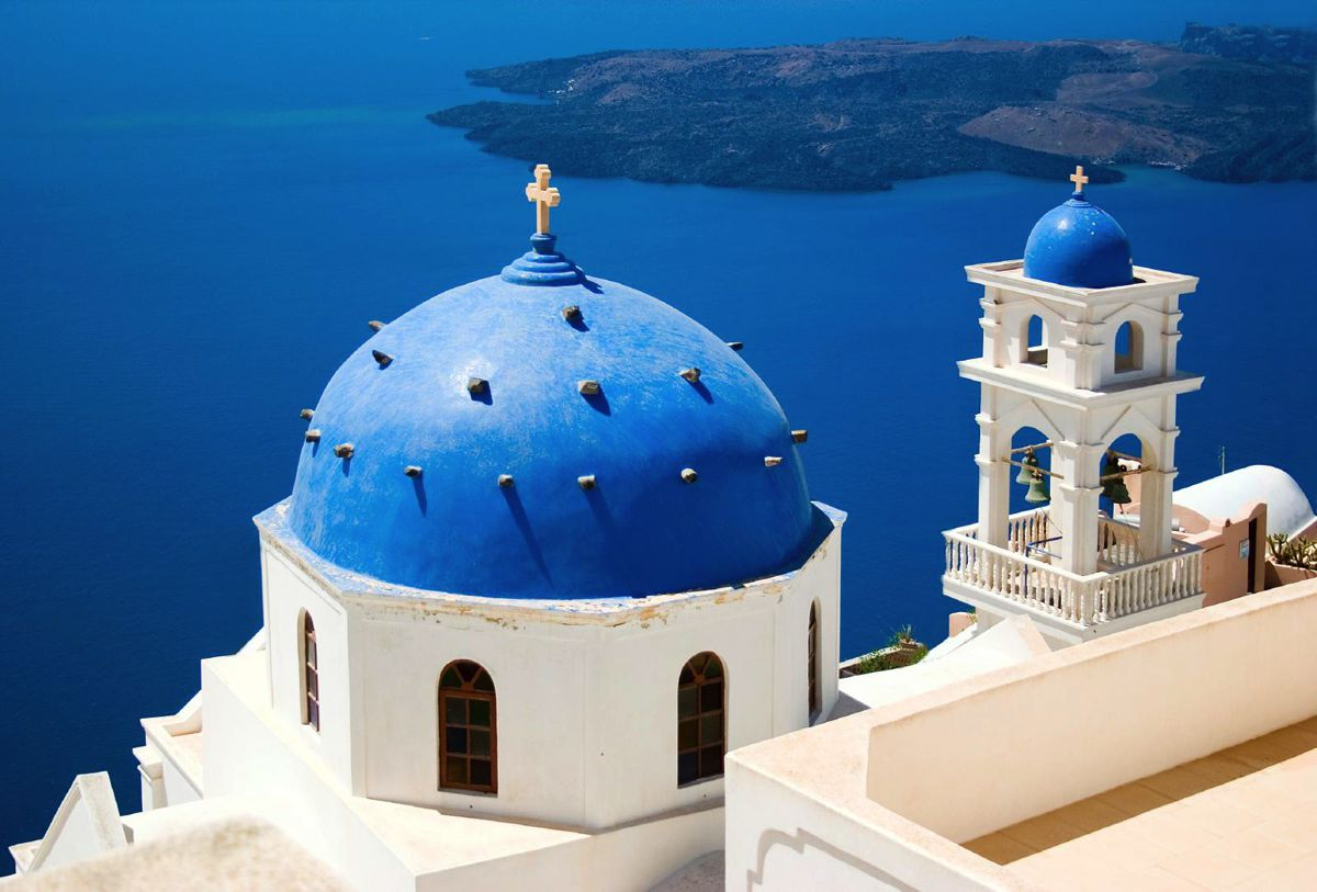 Future Travel: Santorini, Greece - Holiday on Hand Luggage Only (2)