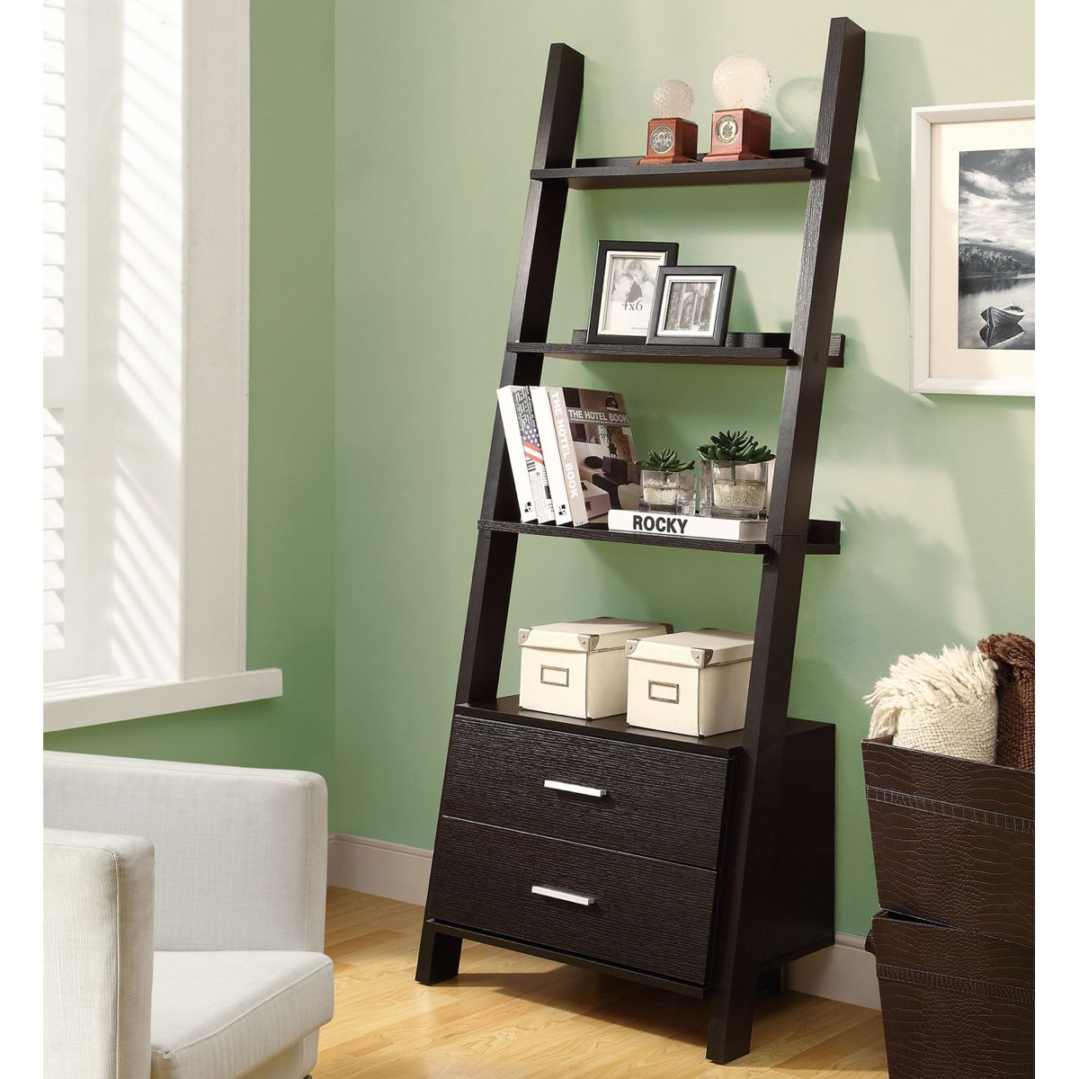 Home Tips: Rustic DIY Ladder Shelf (3)