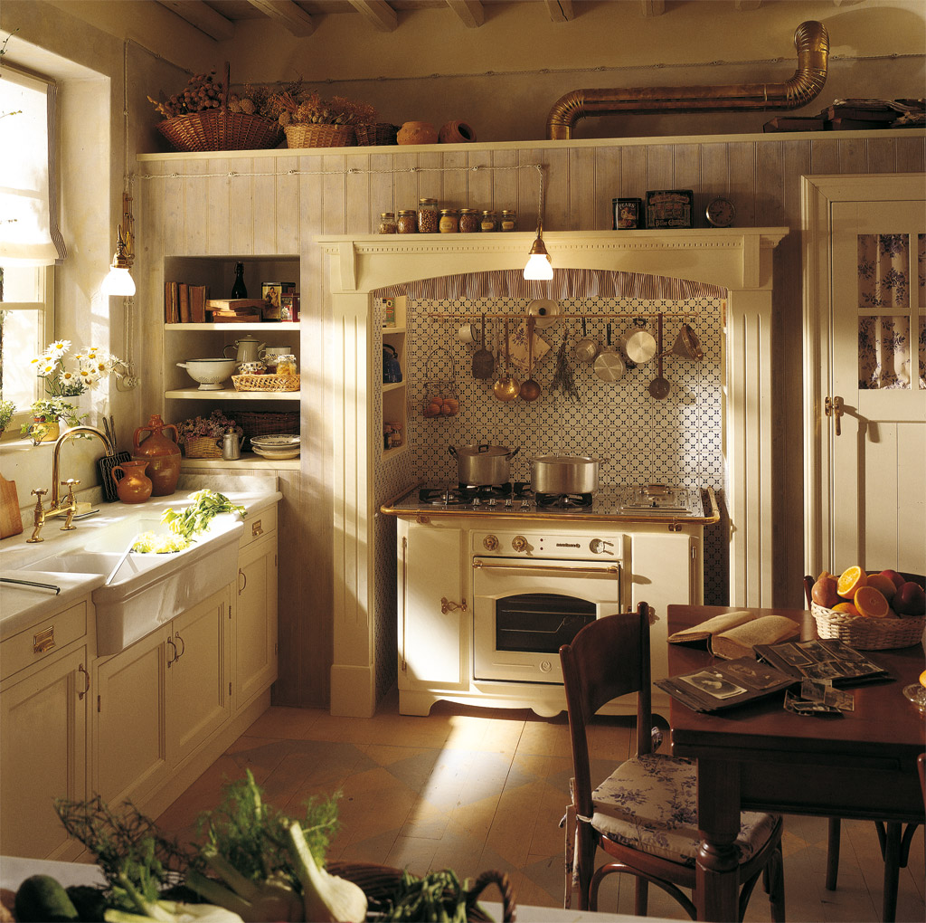 Country Kitchen Decorating Ideas: Home Tips: 3 Retro Yet Functional Pieces Of Vintage