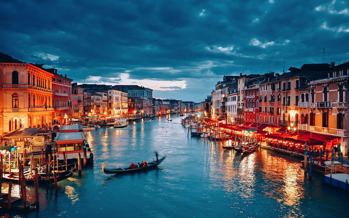 5 places you must visit in italy hand luggage only for What to see in venice in 2 days
