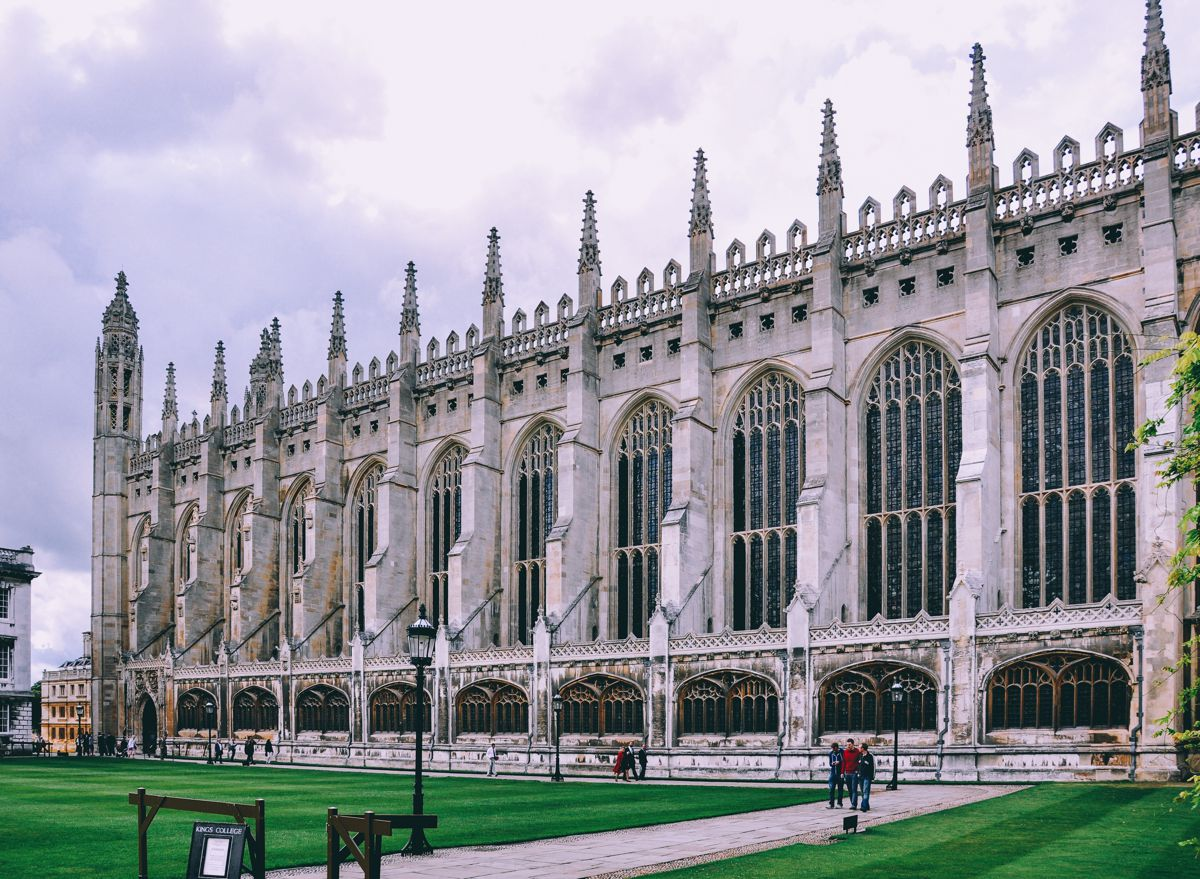 8 Stunning Gothic Architecture You Must See In The UK! (6)
