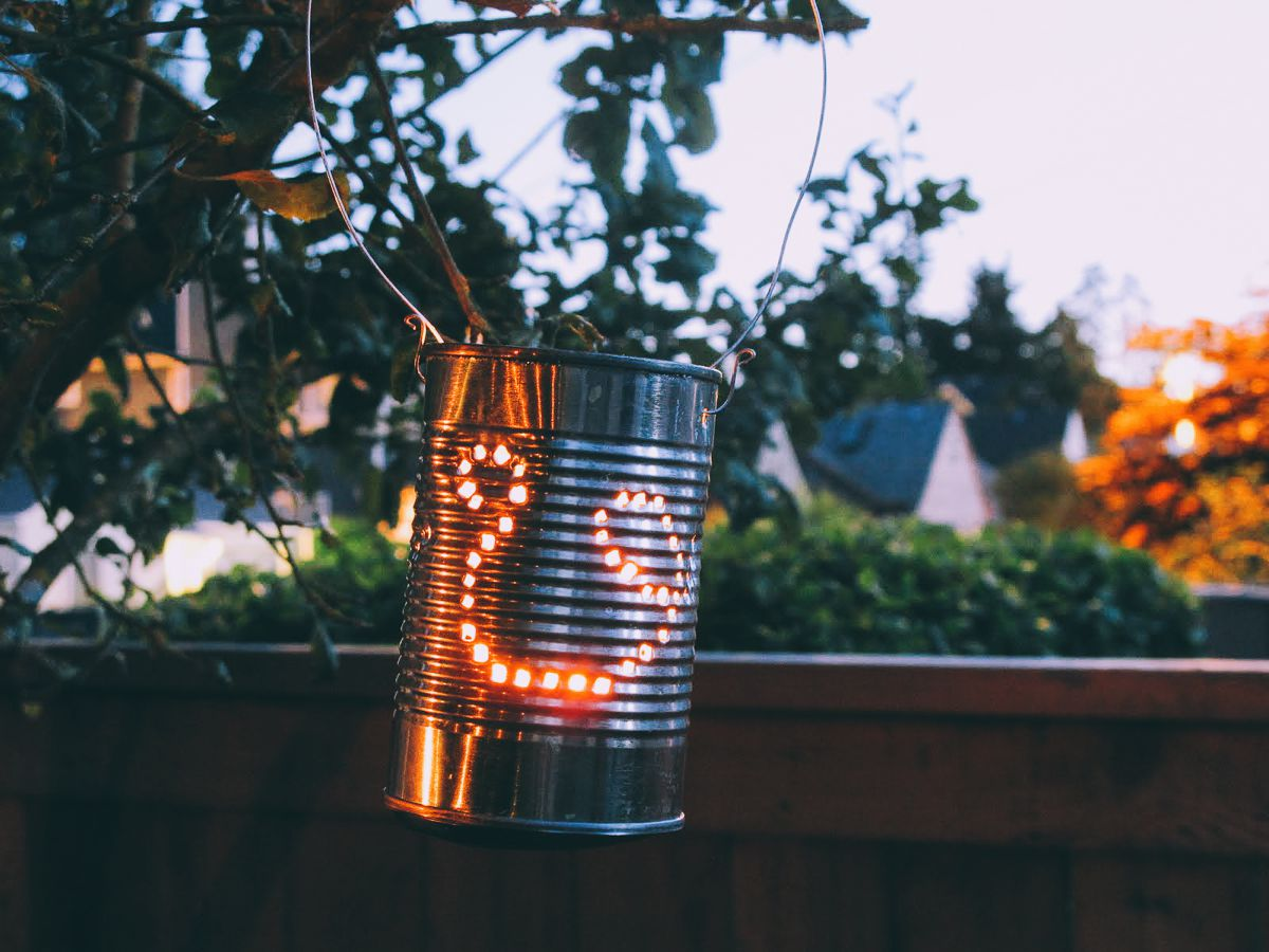 Weekend DIY Lighting Tips: Tin Can Lanterns (5)