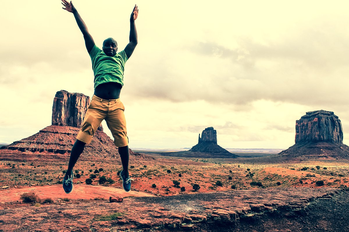 Monument Valley - Zipping back and forth between Utah and Arizona! (1)