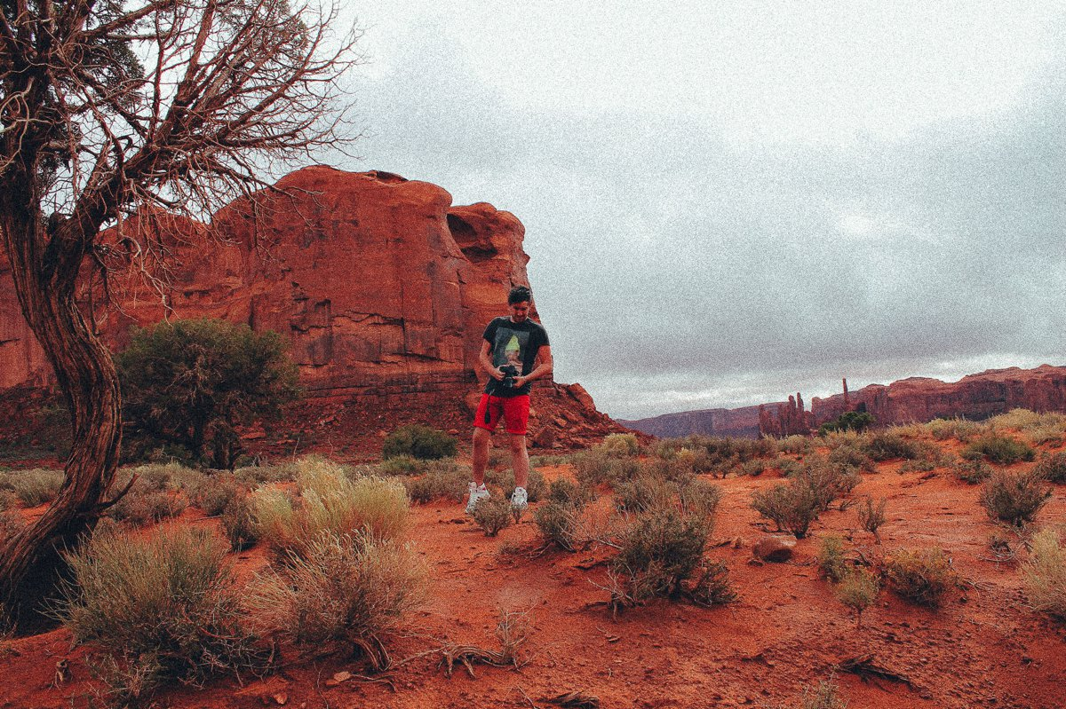 Monument Valley - Zipping back and forth between Utah and Arizona! (9)