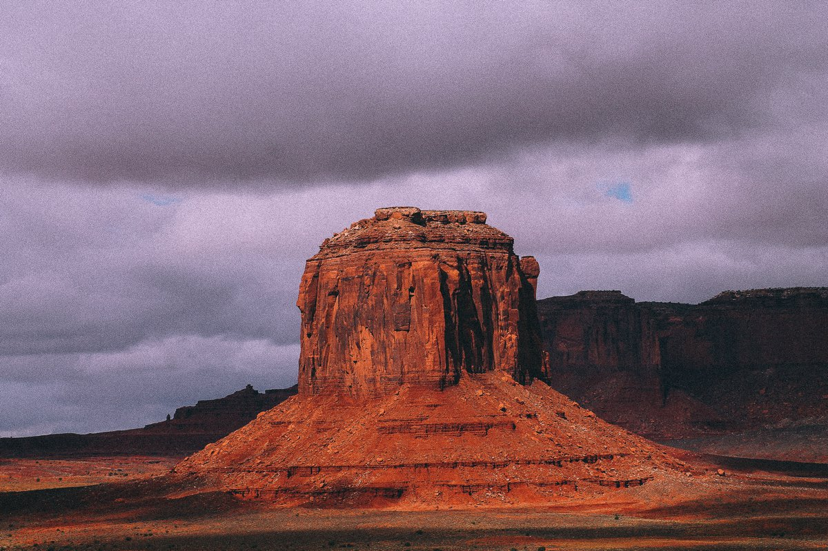 Monument Valley - Zipping back and forth between Utah and Arizona! (14)