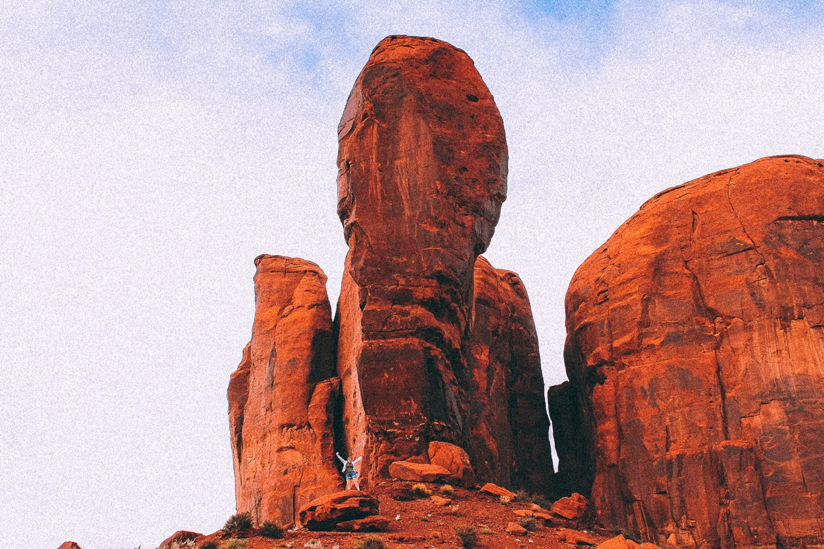 Monument Valley - Zipping back and forth between Utah and Arizona! (16)