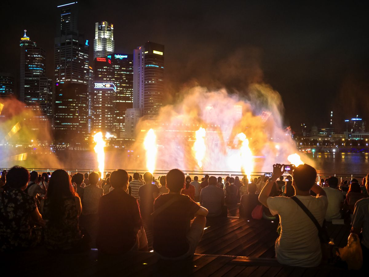 "Fire, Water and Light - The ""Wonder Full"" Spectacular on the Marina Bay, Singapore (9)"