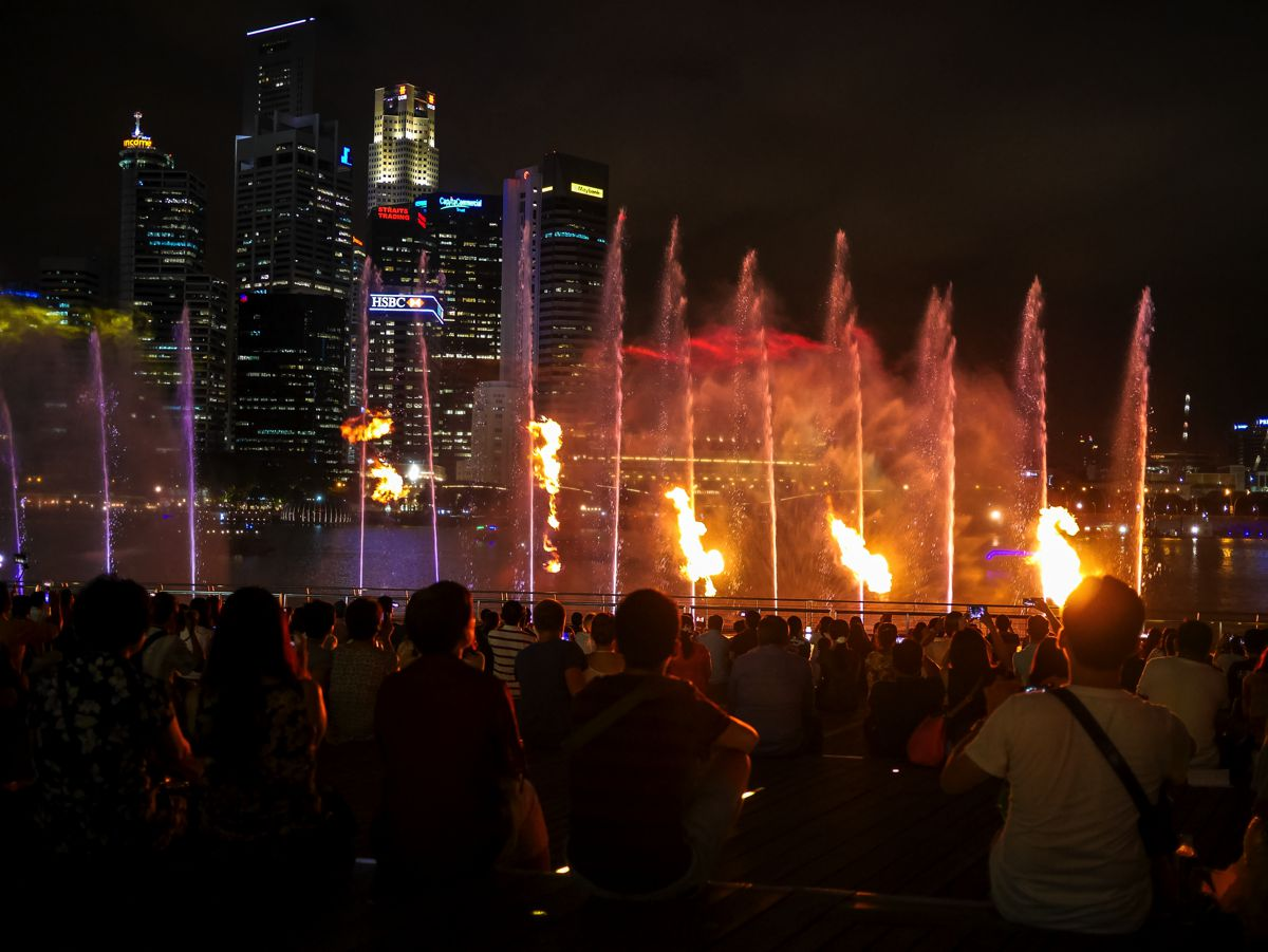 "Fire, Water and Light - The ""Wonder Full"" Spectacular on the Marina Bay, Singapore (10)"