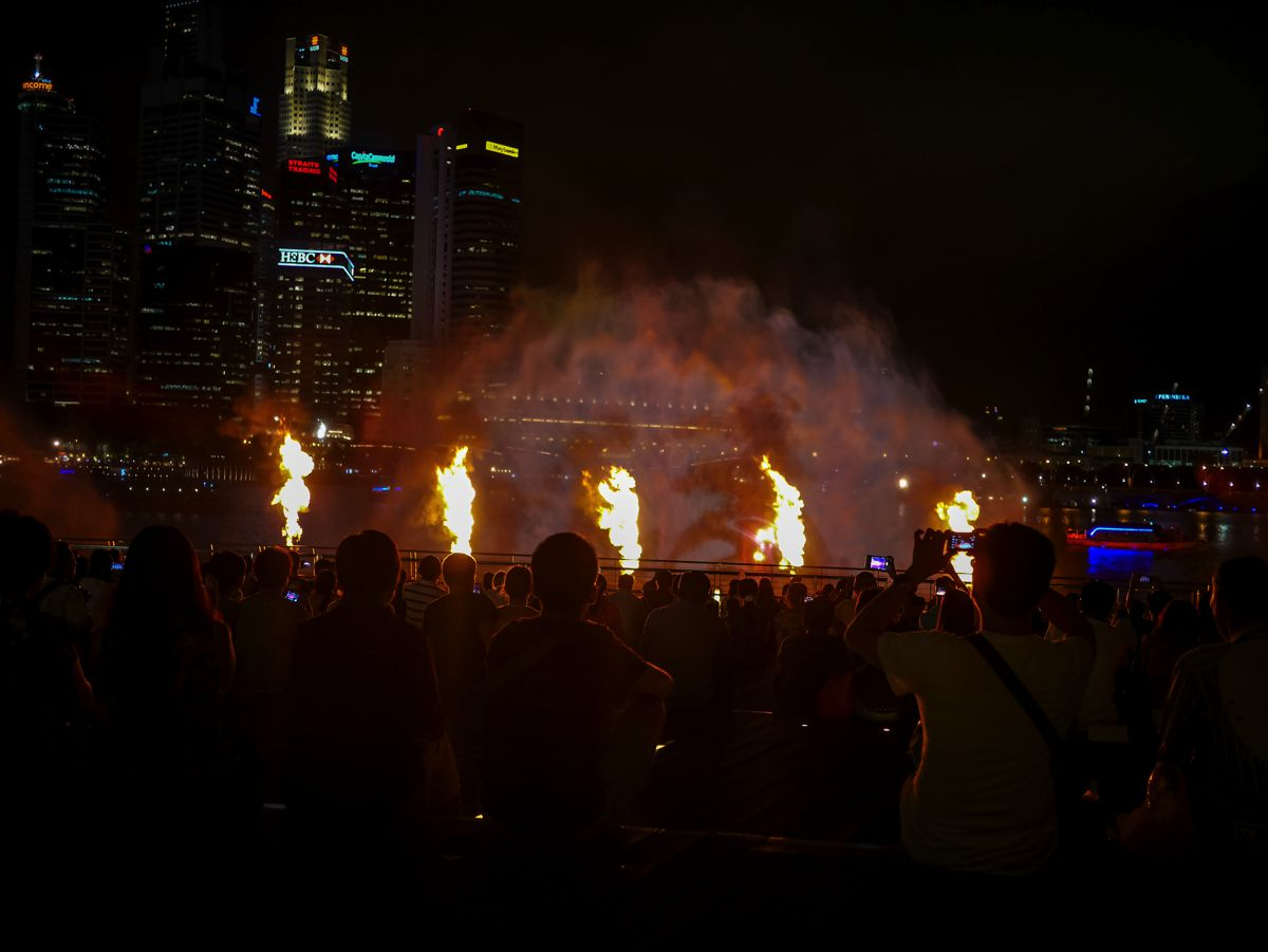 "Fire, Water and Light - The ""Wonder Full"" Spectacular on the Marina Bay, Singapore (12)"