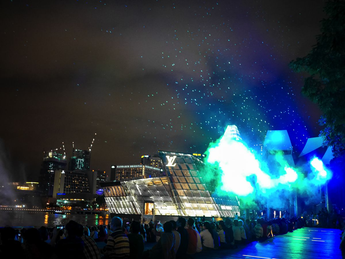 "Fire, Water and Light - The ""Wonder Full"" Spectacular on the Marina Bay, Singapore (13)"
