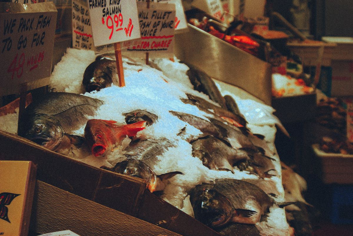 Things to do in Seattle... Visit Pike Place Market! (2)