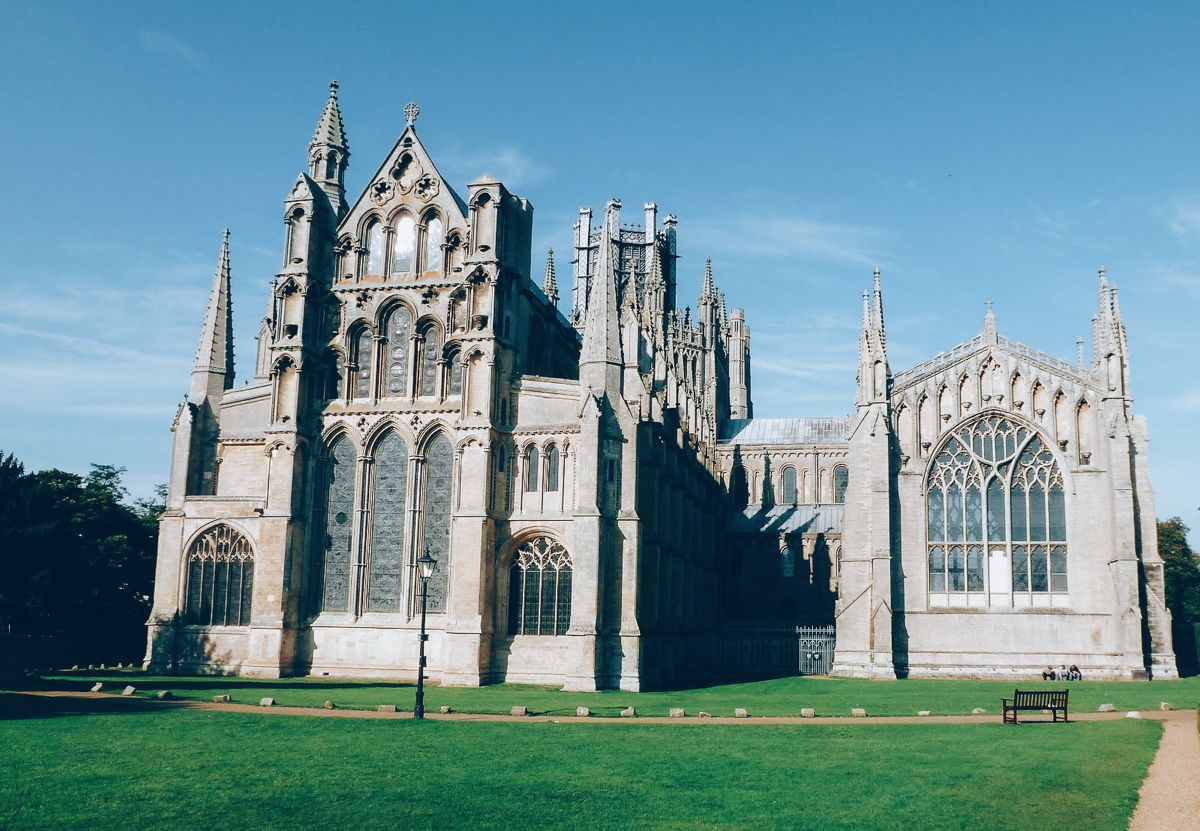 8 Stunning Gothic Architecture You Must See In The UK! (5)