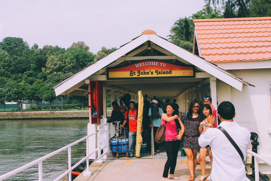 Island Hopping: Visiting 4 Southern Islands in 1 day! St John's Island Lazarus Island and Seringat Island and Kusu Island Singapore (4)