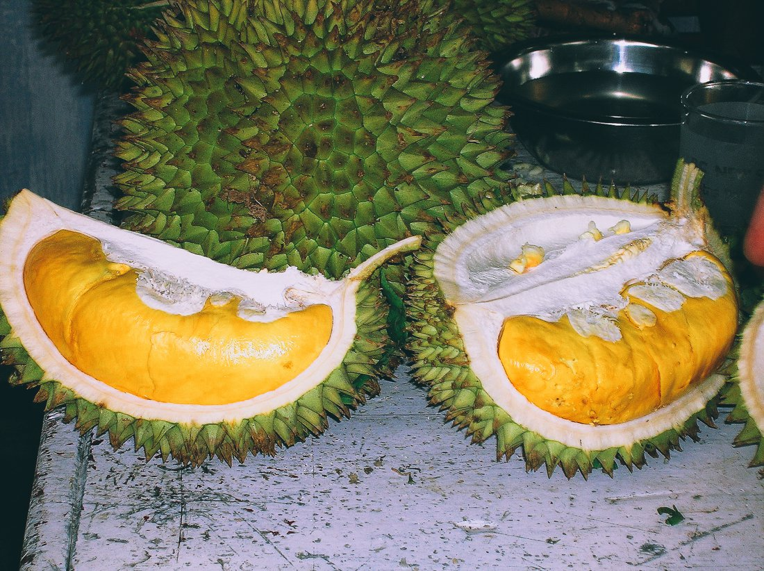 Advice on eating Stinky Smelly Durian Fruit (2)