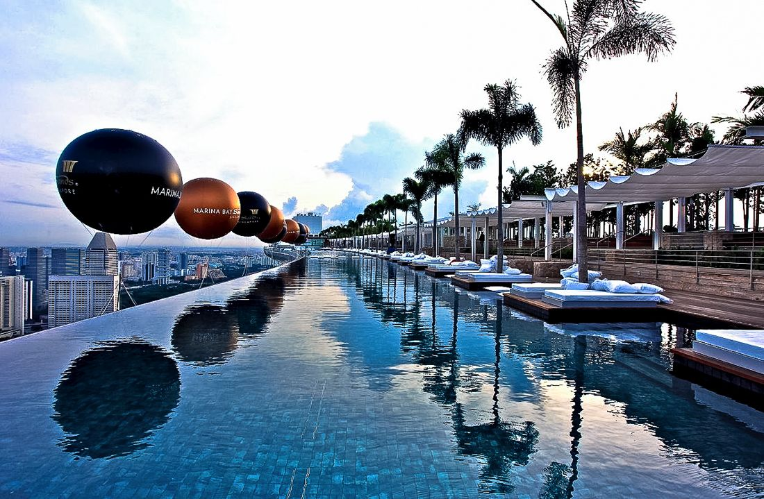 Marina Bay Sands Hotel Infinity Pool and Hotel Room Singapore (4)
