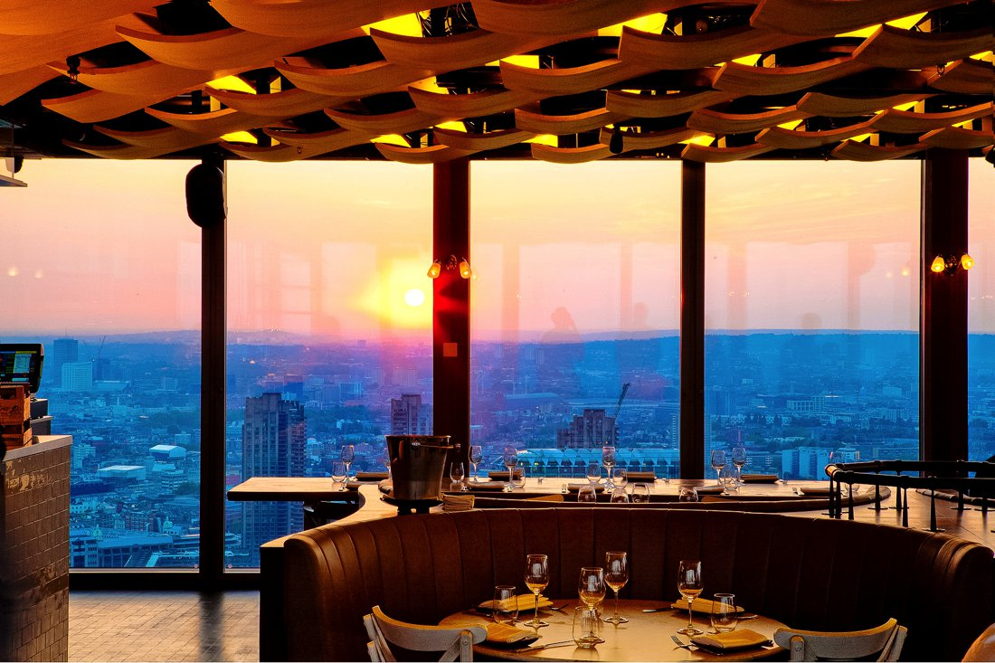24 Restaurants With The Best Views In The World! (13)