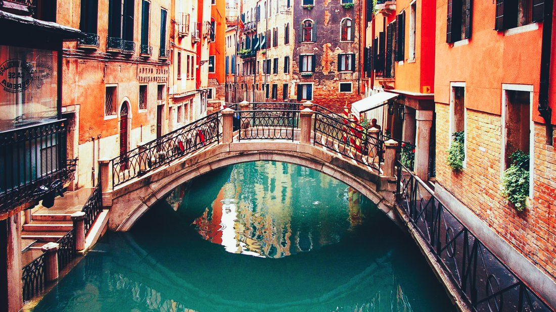 9 of The Most Romantic Cities In The World! (3)