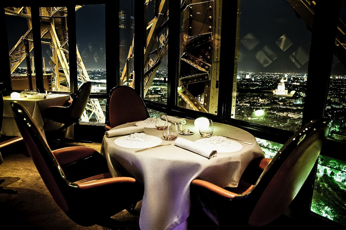 24 Restaurants With The Best Views In The World! (17)