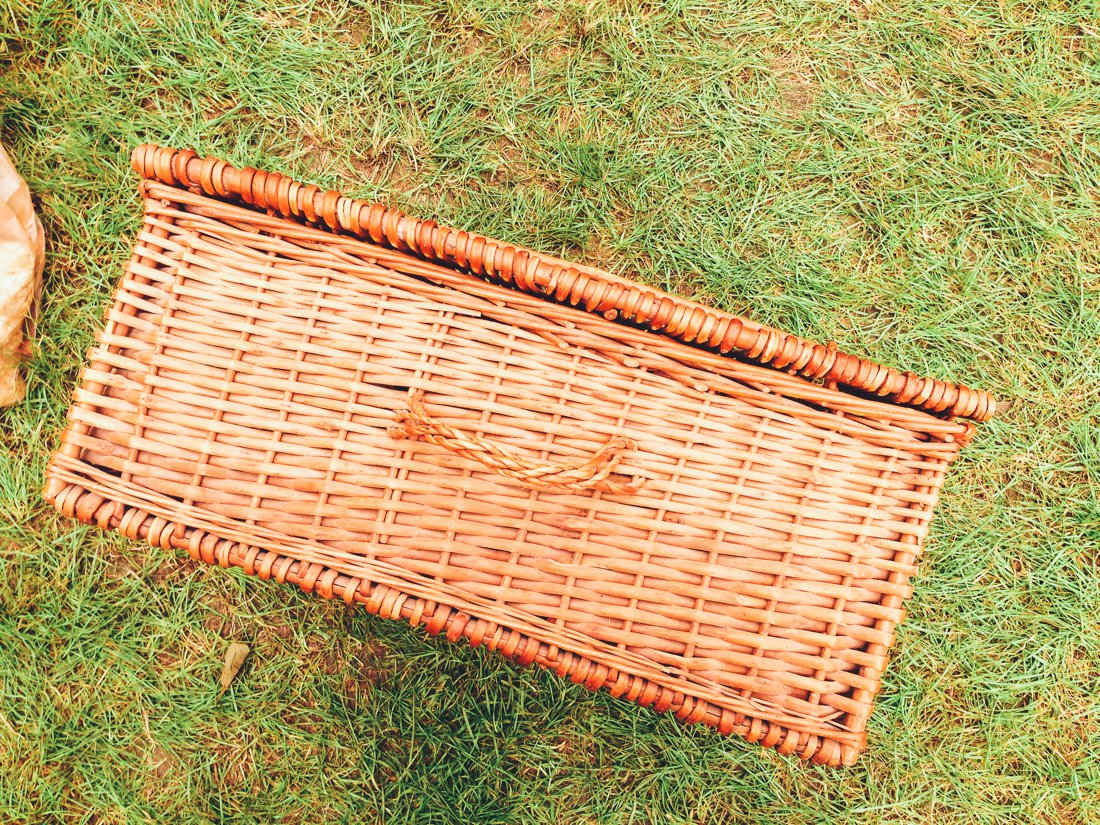 Furniture Hunting at Car Boot Sale UK on Hand Luggage Only Blog (5)