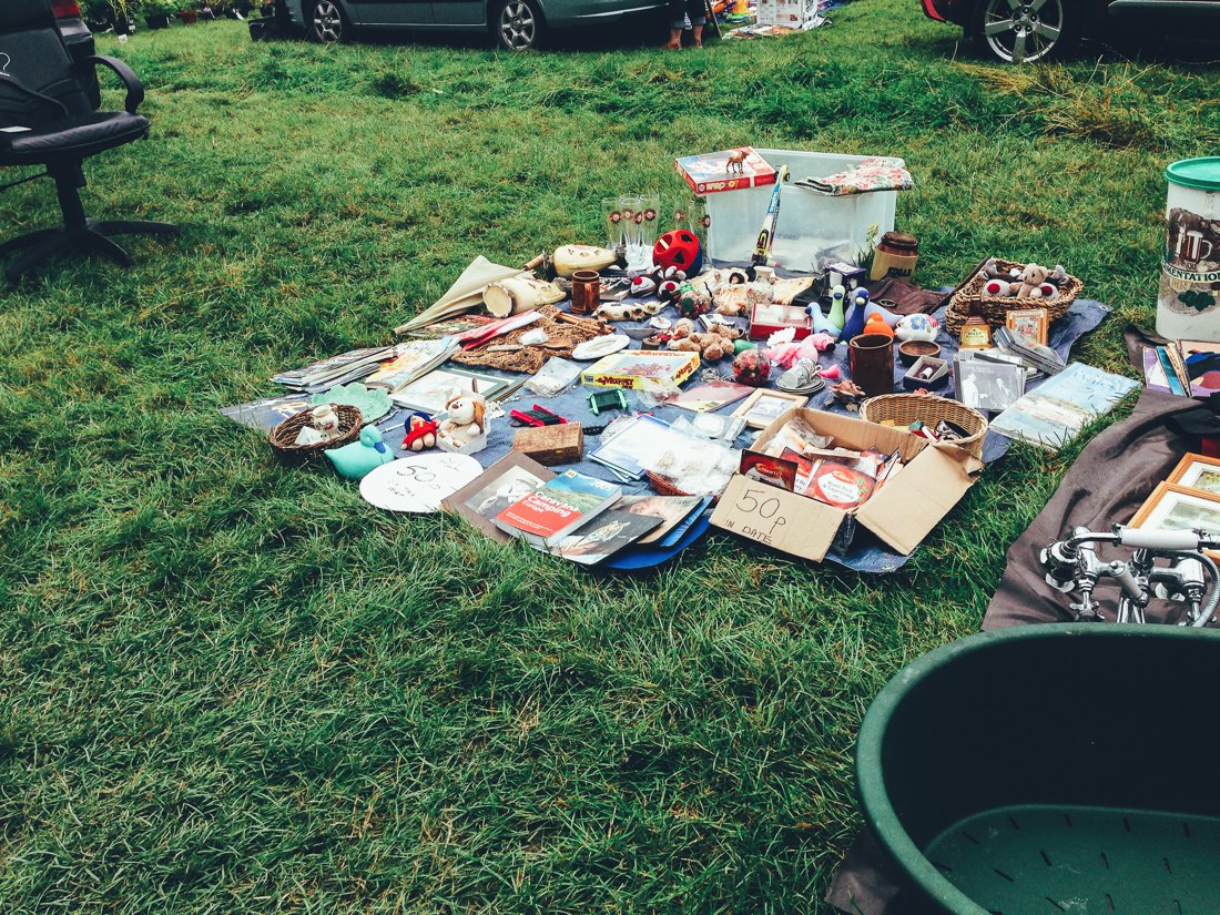 Furniture Hunting at Car Boot Sale UK on Hand Luggage Only Blog (9)