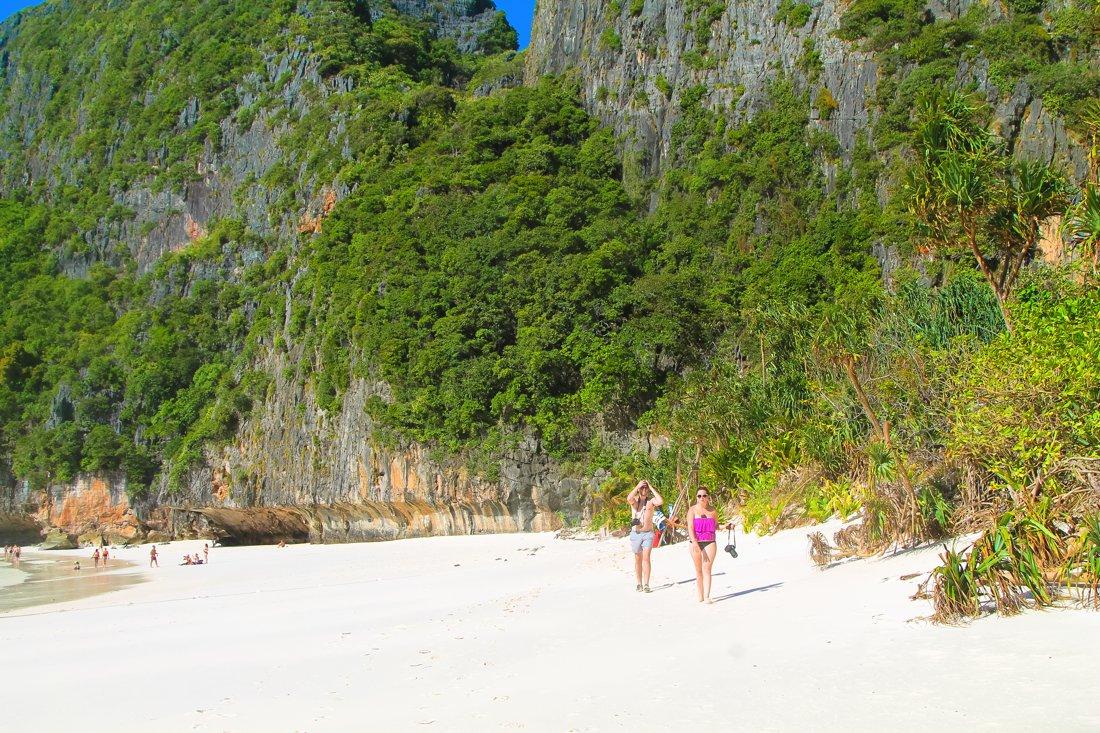Maya Bay, Phi Phi Island, Thailand on Hand Luggage Only Blog (5)