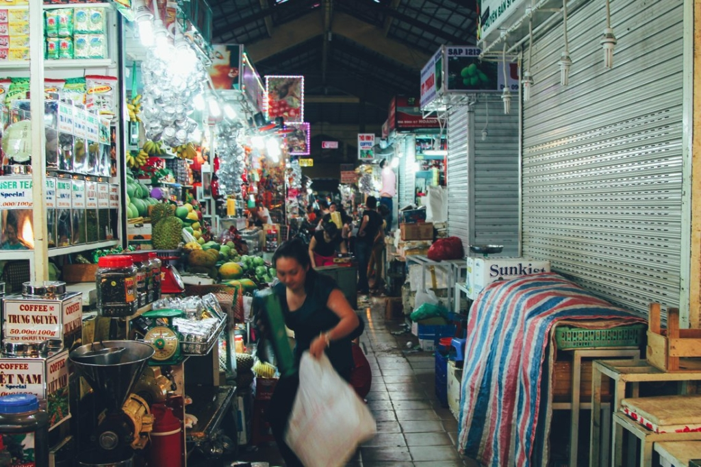 7 Tips To Help You Successfully Negotiate Bến Thành Market, Hồ Chí Minh City in Vietnam (5)