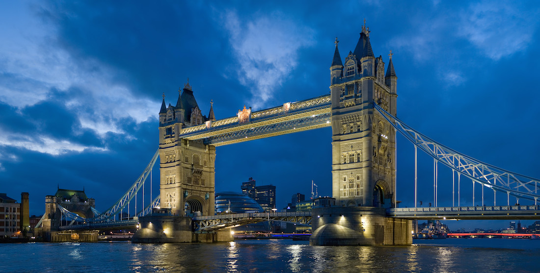 Tower_bridge_London_Twilight