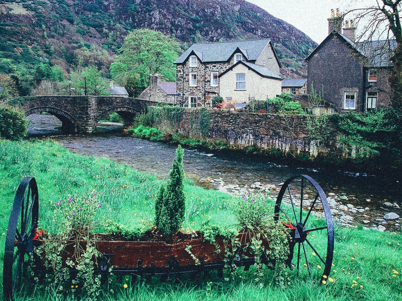 17 Of The Most Beautiful Villages To Visit In Britain! (2)