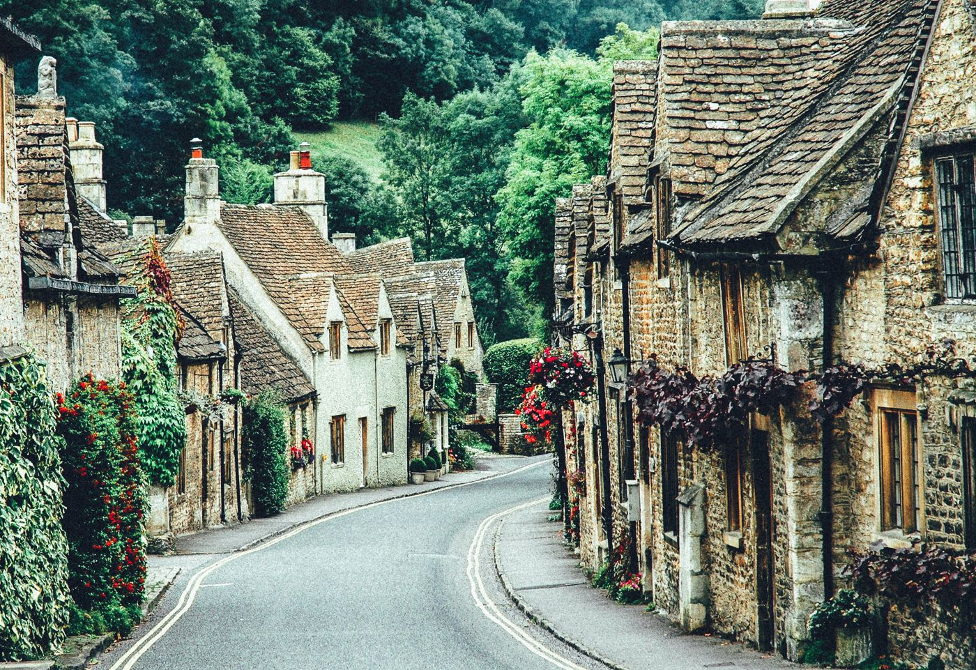 17 Of The Most Beautiful Villages To Visit In Britain! (4)
