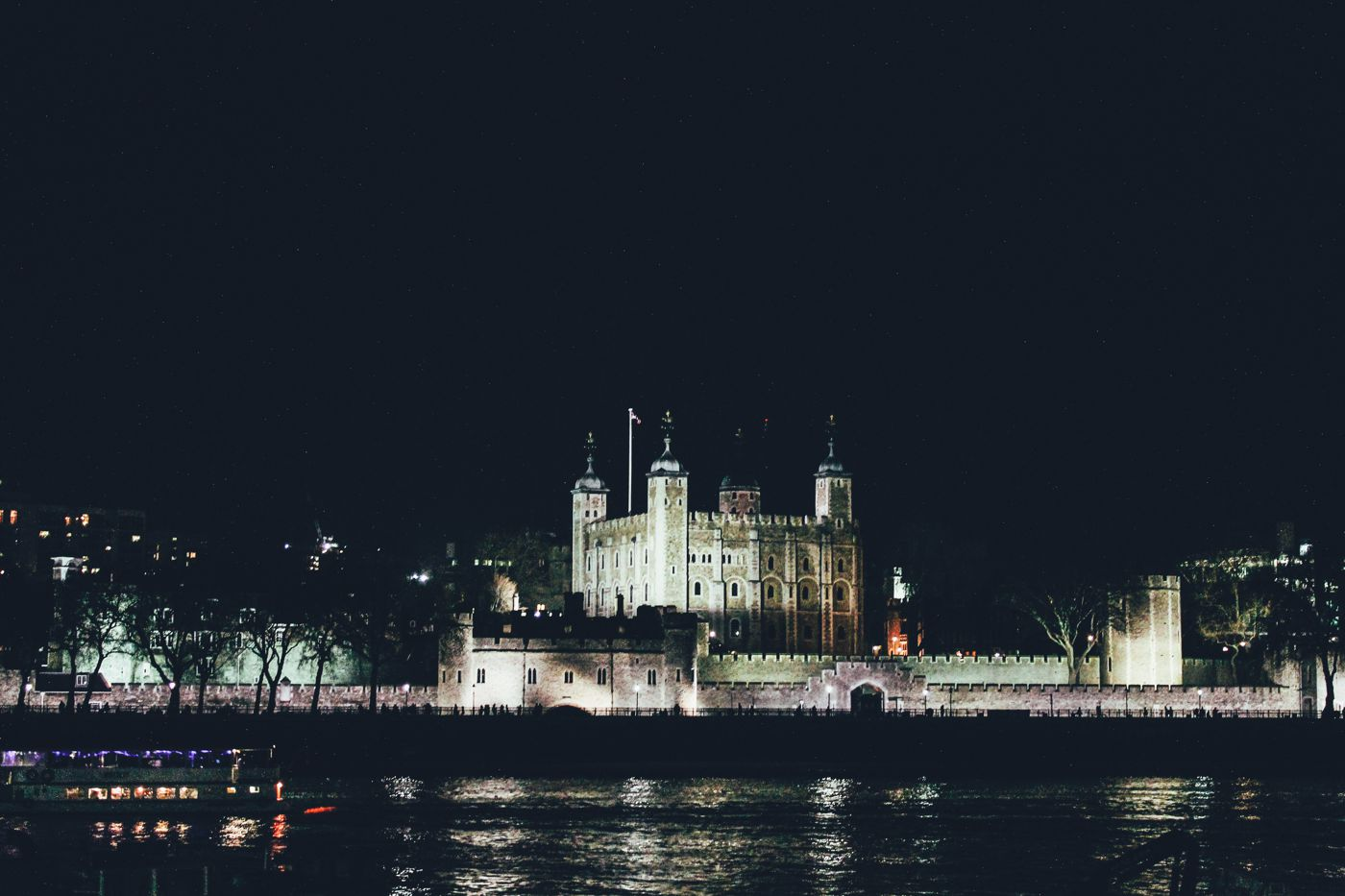 The Best Time Of The Year To Visit London! (1)