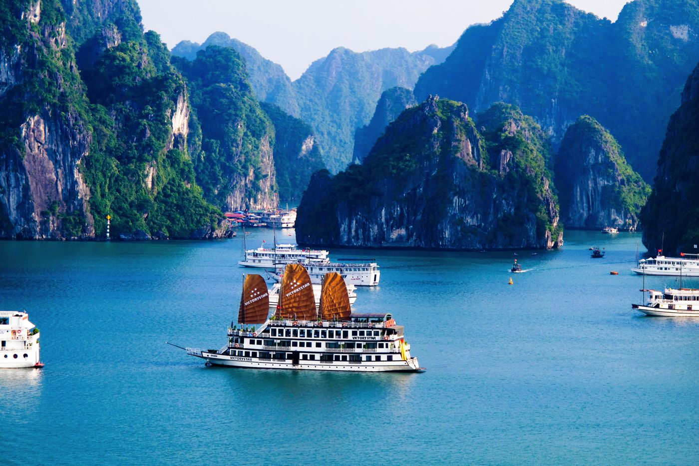 http://handluggageonly.co.uk/wp-content/uploads/2014/10/HaLong-Bay.jpg