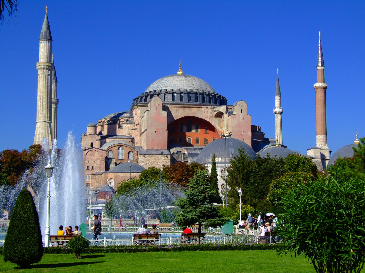 http://handluggageonly.co.uk/wp-content/uploads/2014/10/Hagia-Sophia.jpg