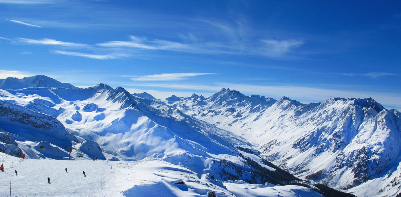 The 10 Best Places To Go On A Skiing Holiday! (3)