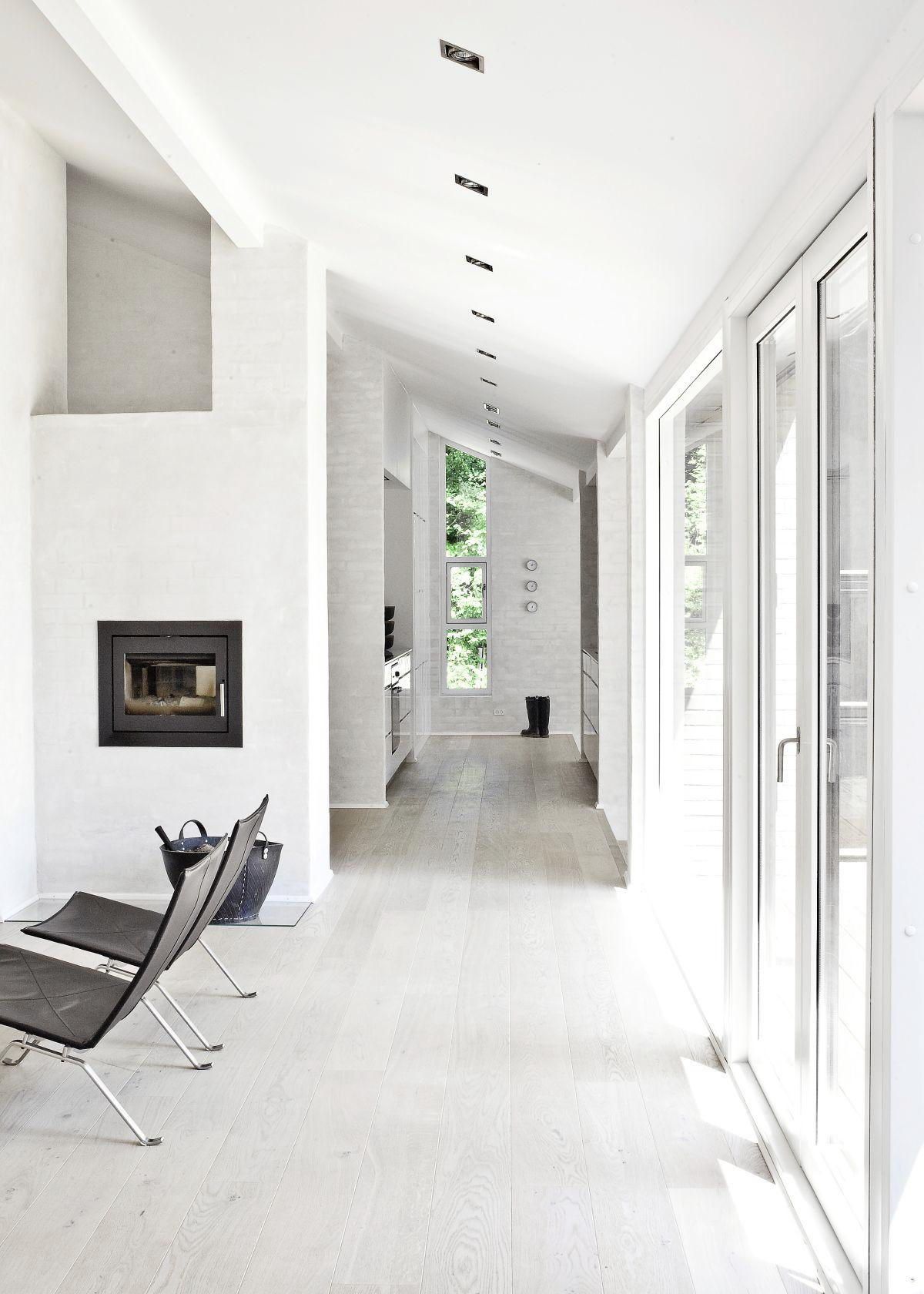 20 Amazingly Beautiful White Homes To Draw Inspiration From! (19)