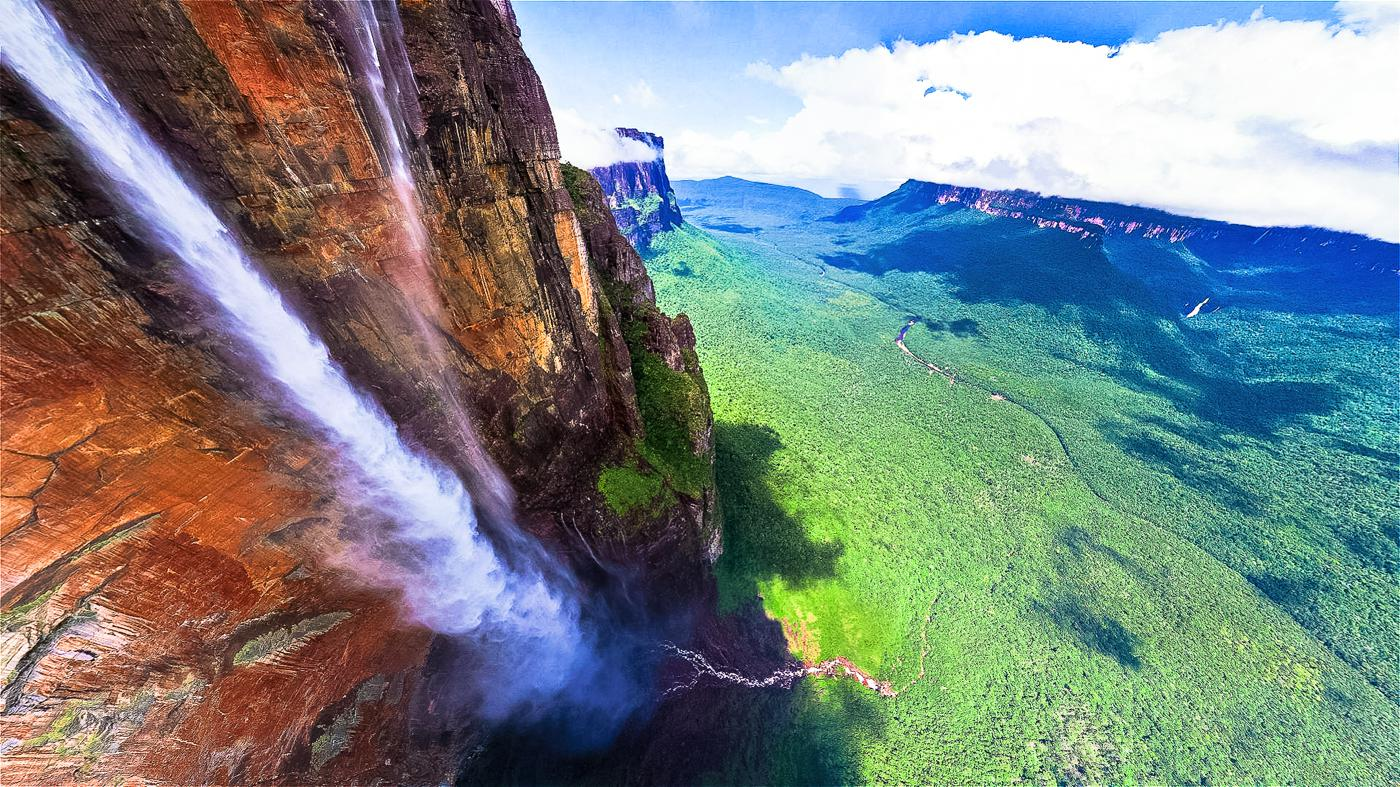 14 Amazing Waterfalls Around The World You Have To Travel To See! (1)
