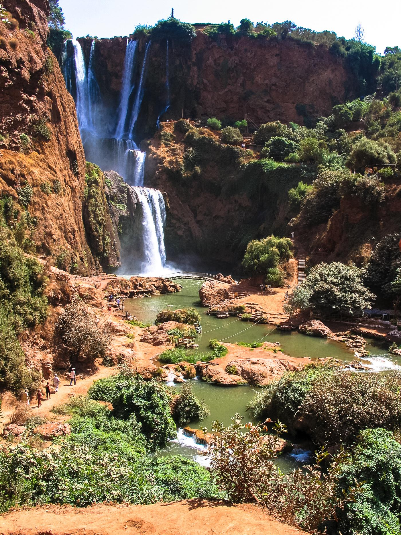 14 Amazing Waterfalls Around The World You Have To Travel To See! (3)