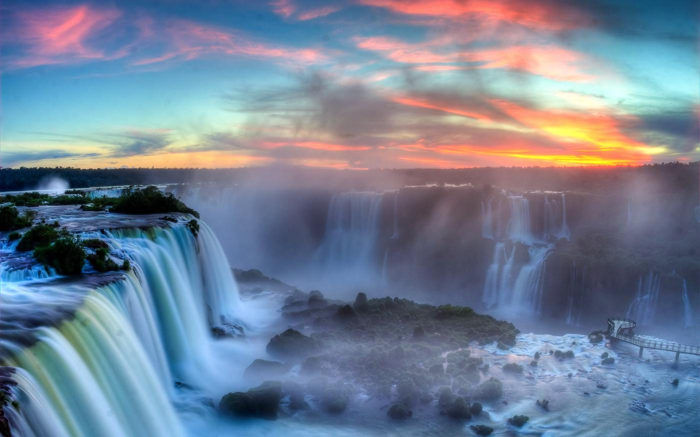 14 Amazing Waterfalls Around The World You Have To Travel To See! (7)