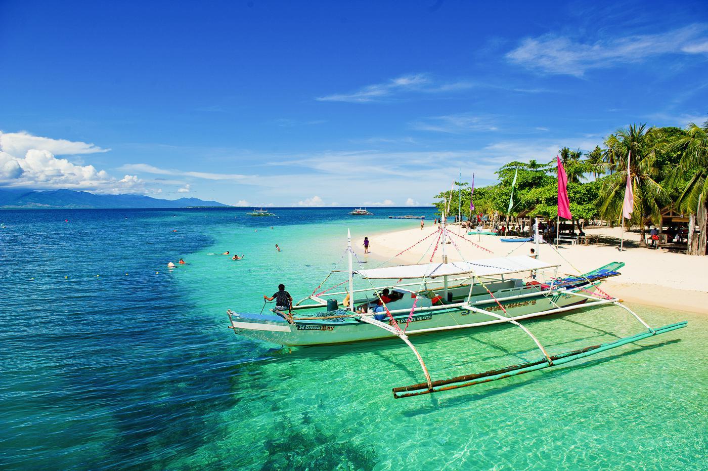 10 Reasons You Need To Visit Palawan Philippines Hand