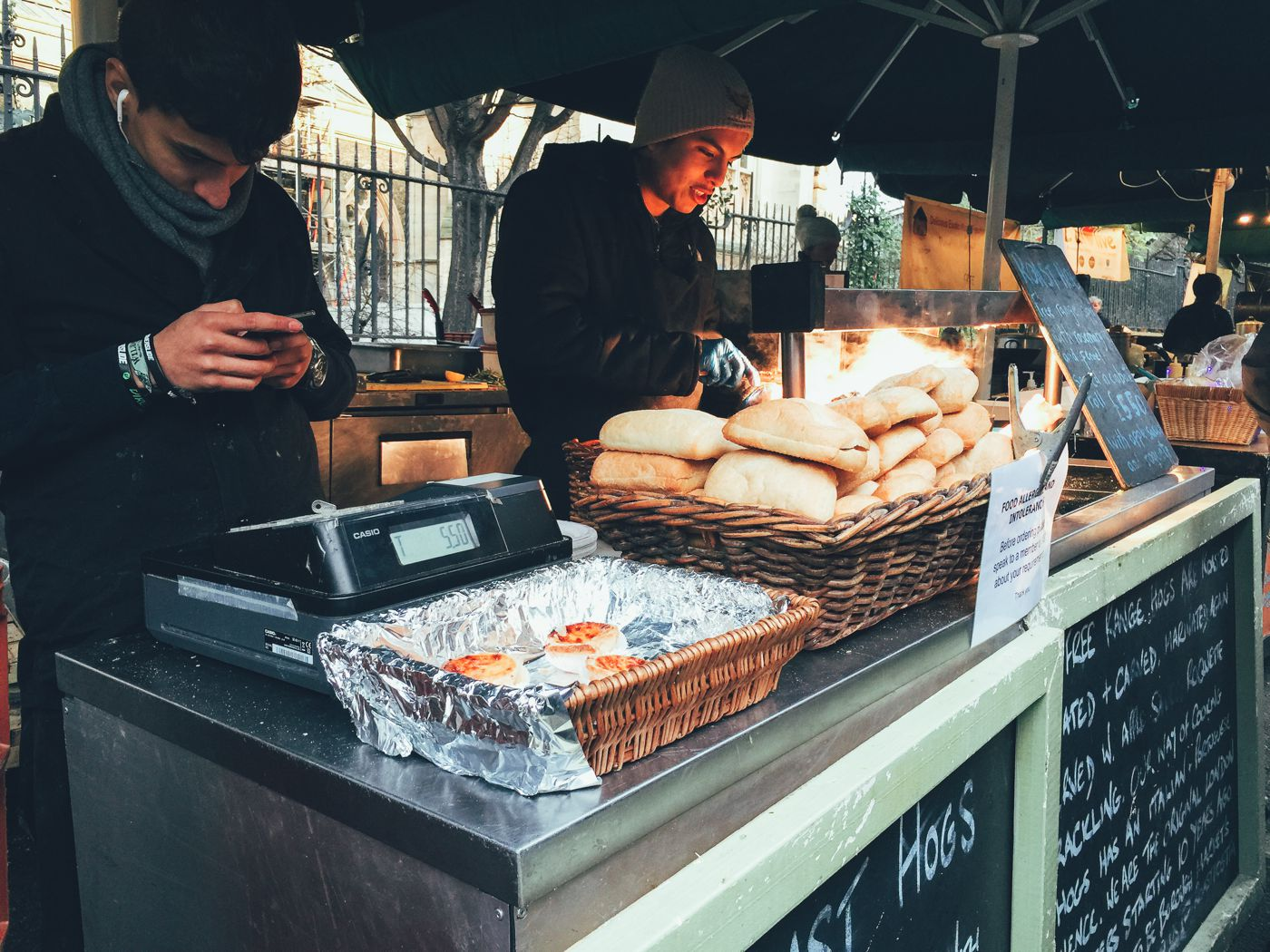 Hog Rolls and Hot Cider in Borough Market, London (4)