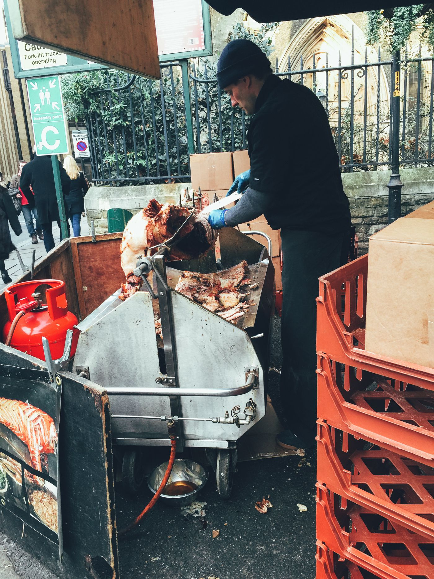 Hog Rolls and Hot Cider in Borough Market, London (5)