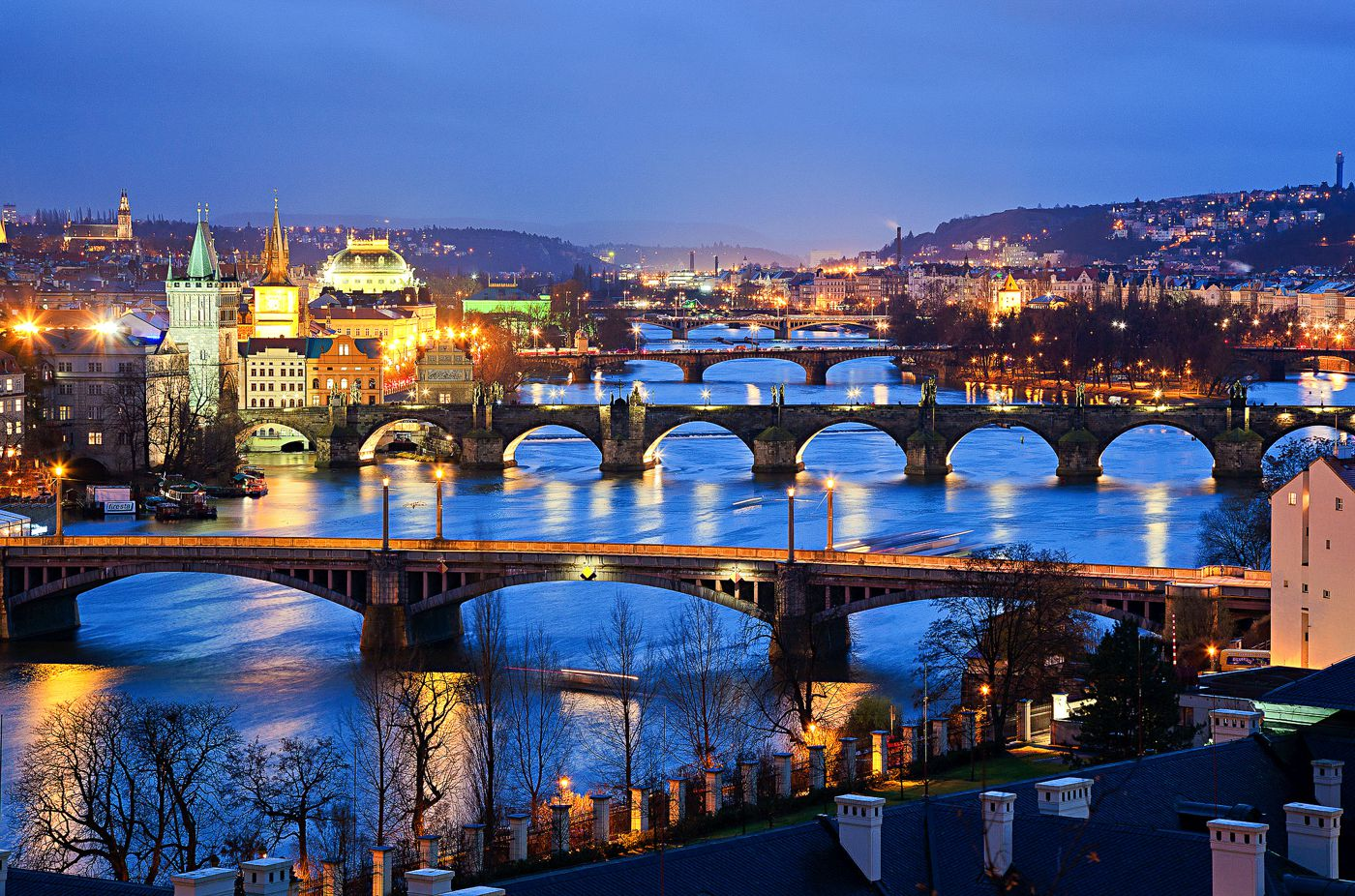 Free Or Really Cheap Things To Do See And Eat In Prague Hand - A walking tour of prague 15 historical landmarks
