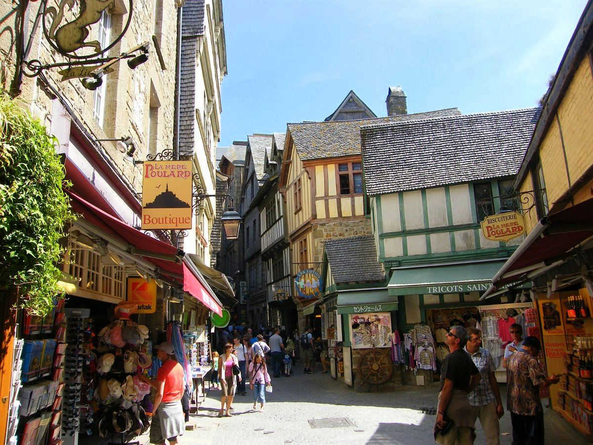 8 Reasons To Visit Mont Saint-Michel in France! (6)