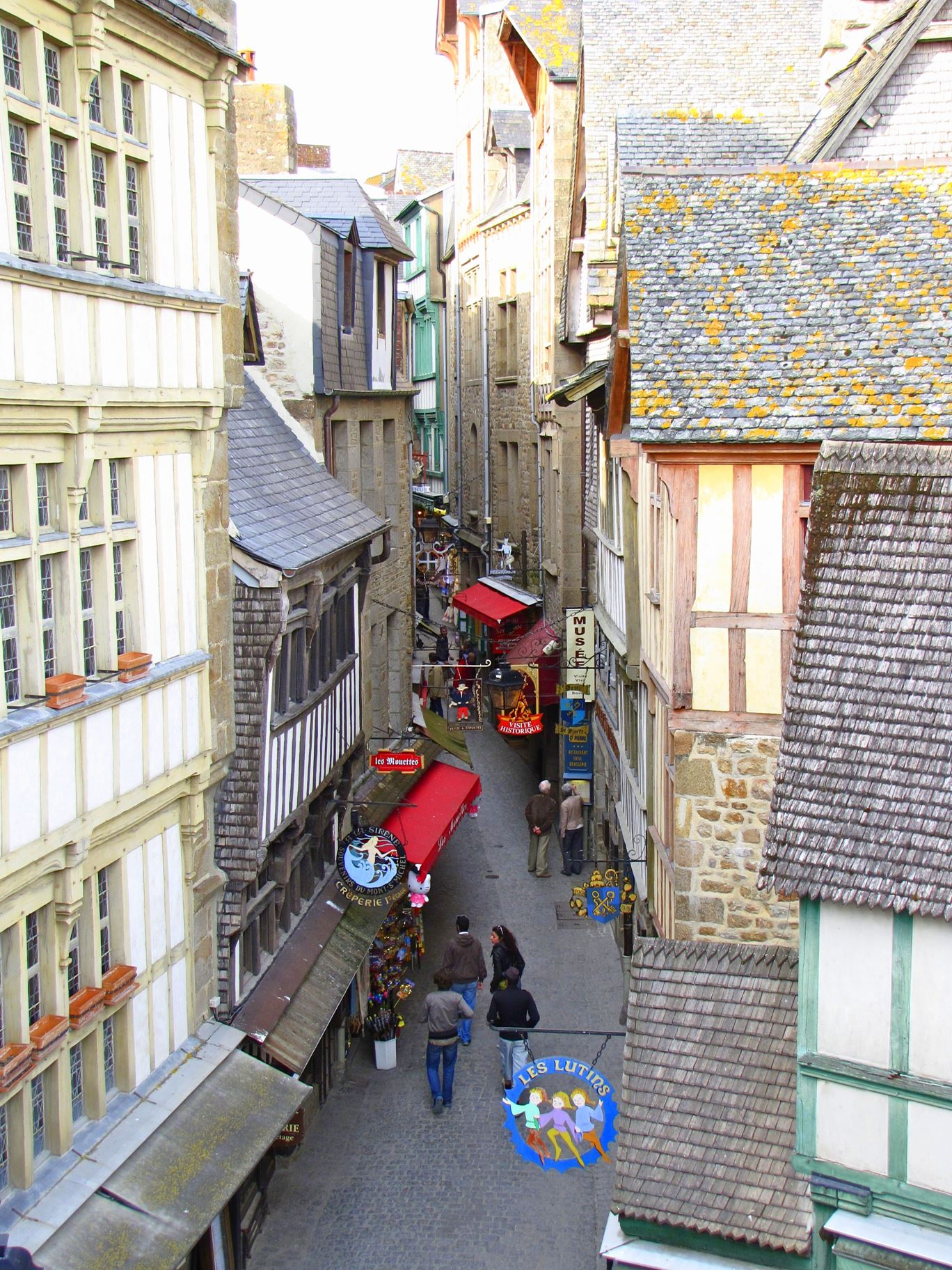 8 Reasons To Visit Mont Saint-Michel in France! (4)