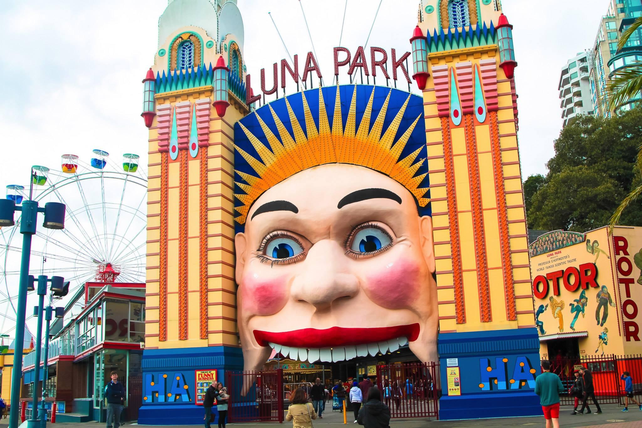 A (Free-ish) afternoon in Luna Park, Sydney, Australia ...  Luna