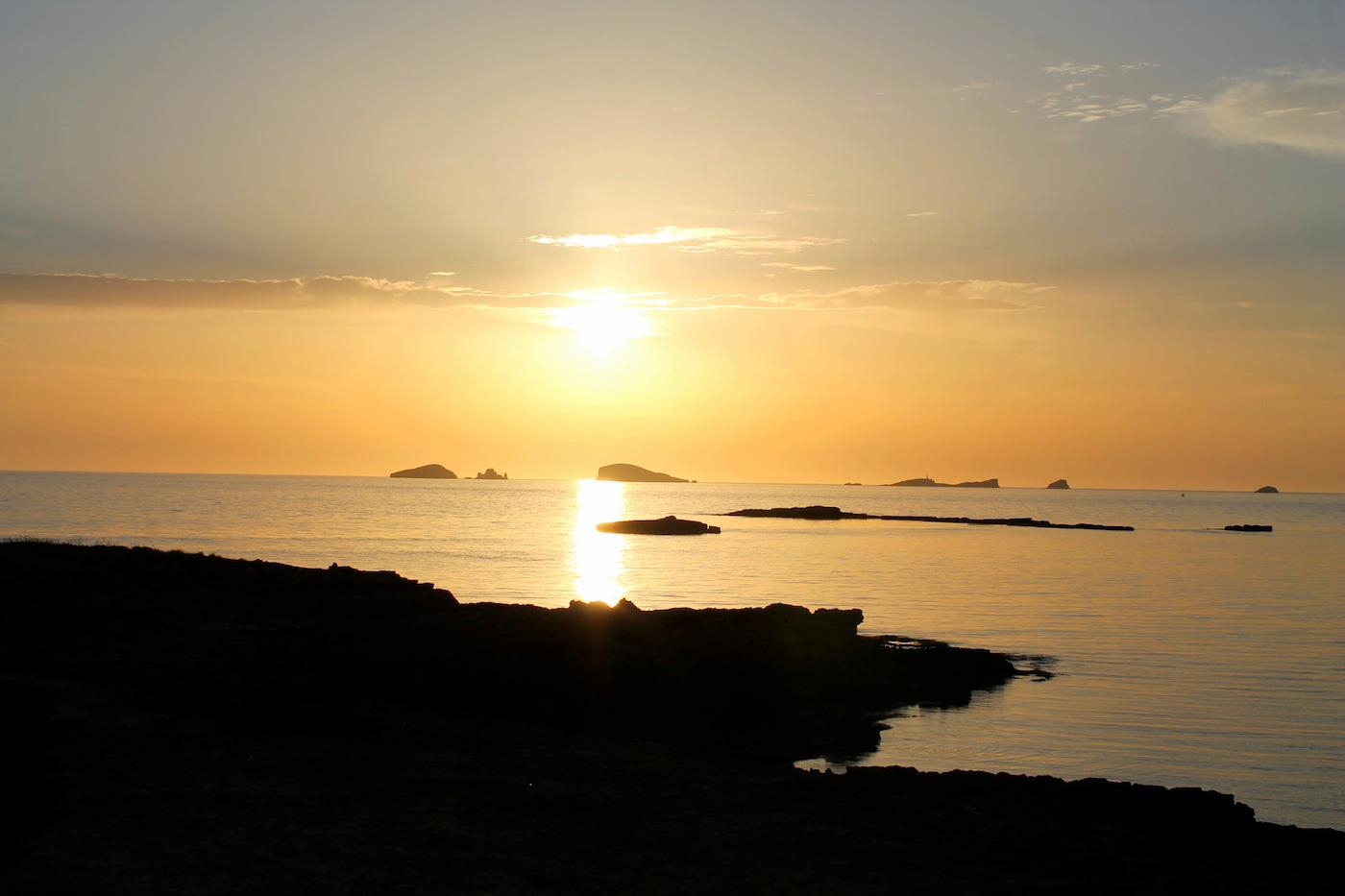 Sunny Beaches, Blue Seas, Glowing Spanish Sunsets And Delicious Food.... The Ibiza Diaries! (26)