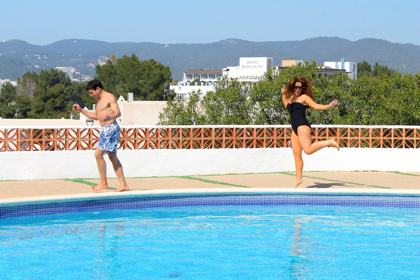 Sunshine, Sangria, Pool Diving, Friends, Fun in Ibiza, Spain on Holiday (26)